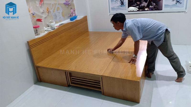 Giường được làm từ gỗ tự nhiên đem lại giấc ngủ ngon