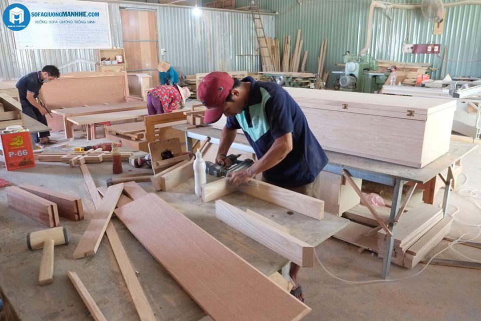 Xưởng sản xuất ghế sofa bàn trà thành giường Mạnh Hệ trực tiếp